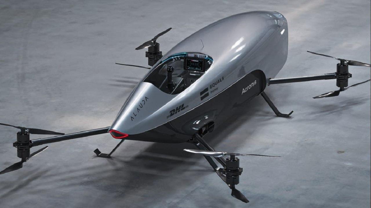 پرواز موفق اولین خودروی مسابقه ای پرنده جهان